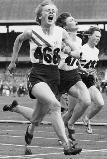 BettyCuthbertMarleneMathewsHeatherArmitage1956Olympics
