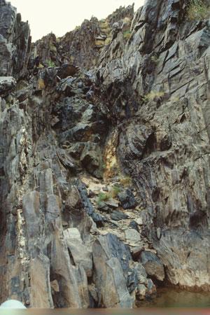 vertical-amphibolite