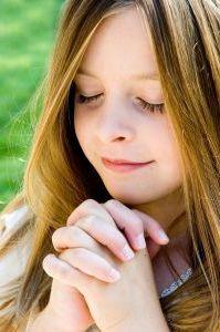 8501-praying