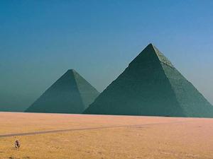 9352pyramids