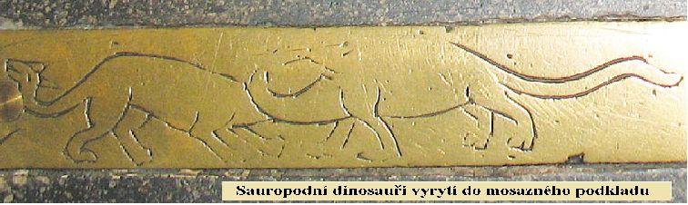 10130-Schovan237_pod_kobercem_katedr225ly_v_Carlisle-dinosau345i_-sauropodi