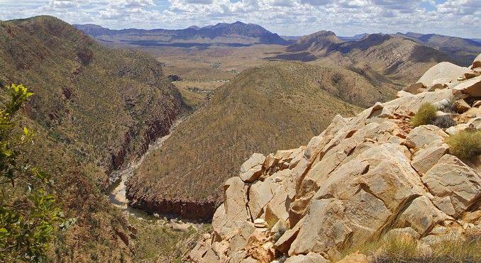 11425-ormiston-gorge