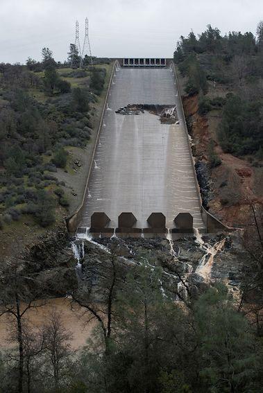 Oroville Dam spillway crisis California - creation com