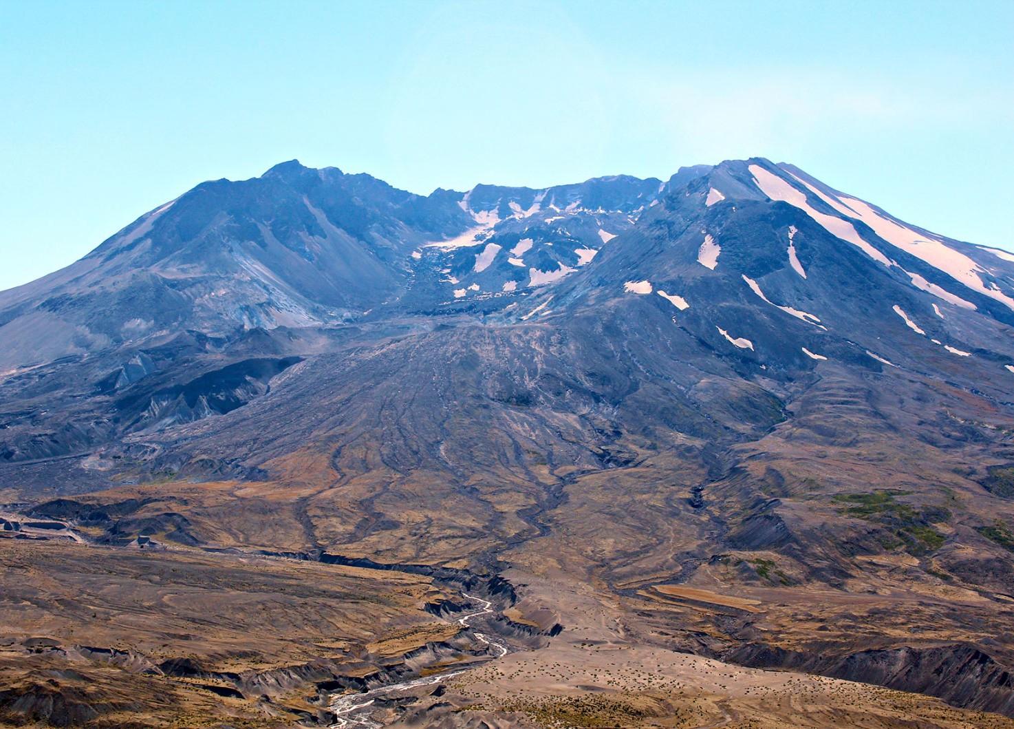 11976-mt-st-helens-after-eruption