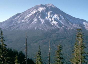 Mount-St-Helens-before-catastrophic