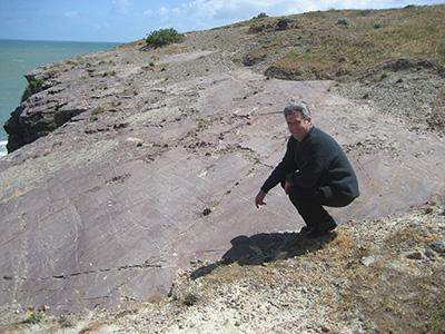 Poškrábané skalní podloží