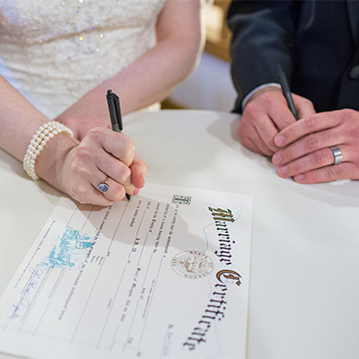 signing-marriage-certificate