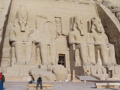 statues-of-Rameses-II