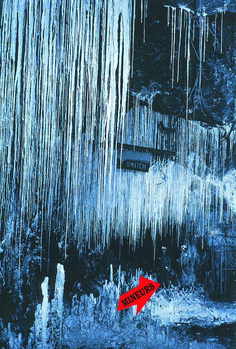14325-stalactites