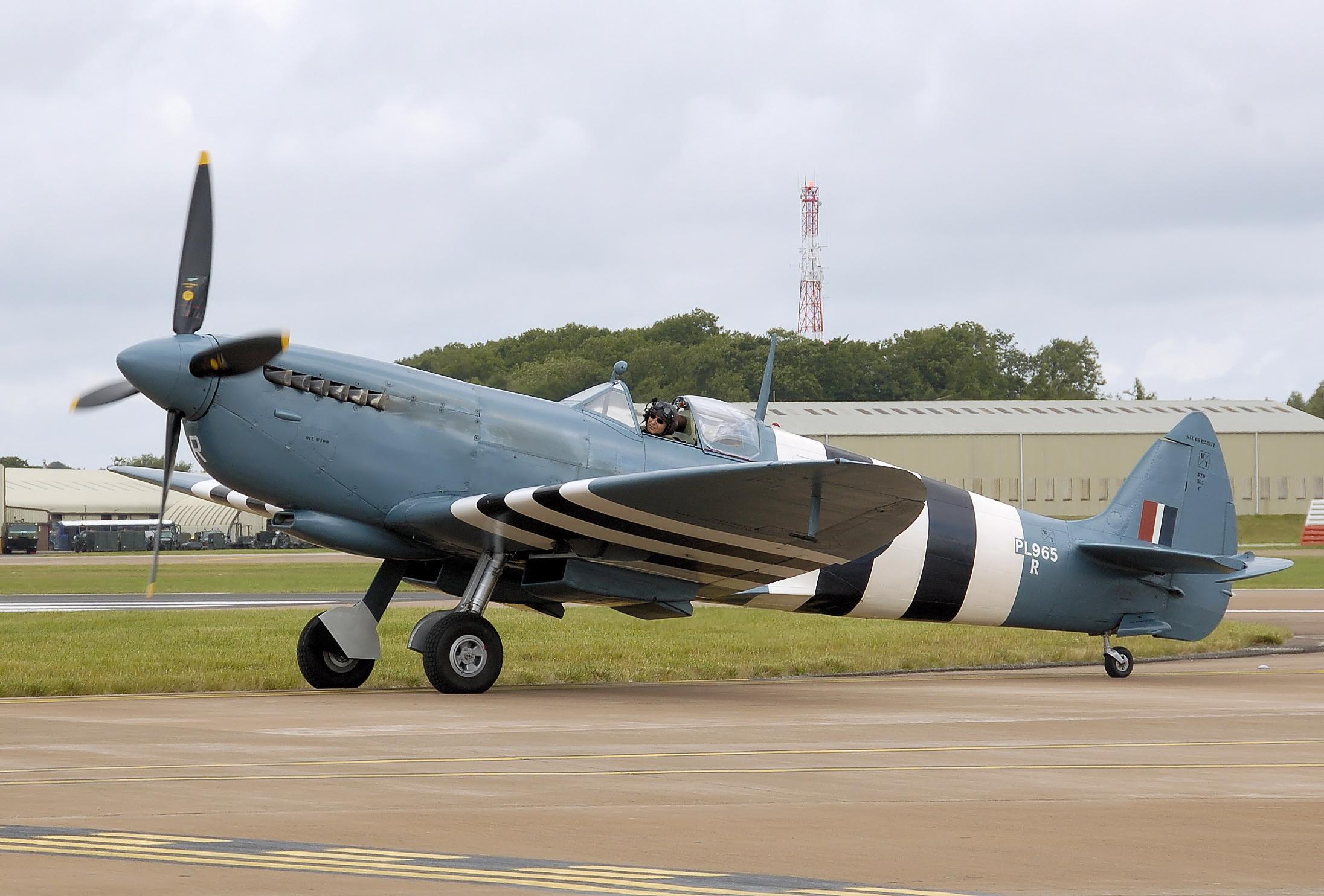 Spitfire-mk11-pl965-arp
