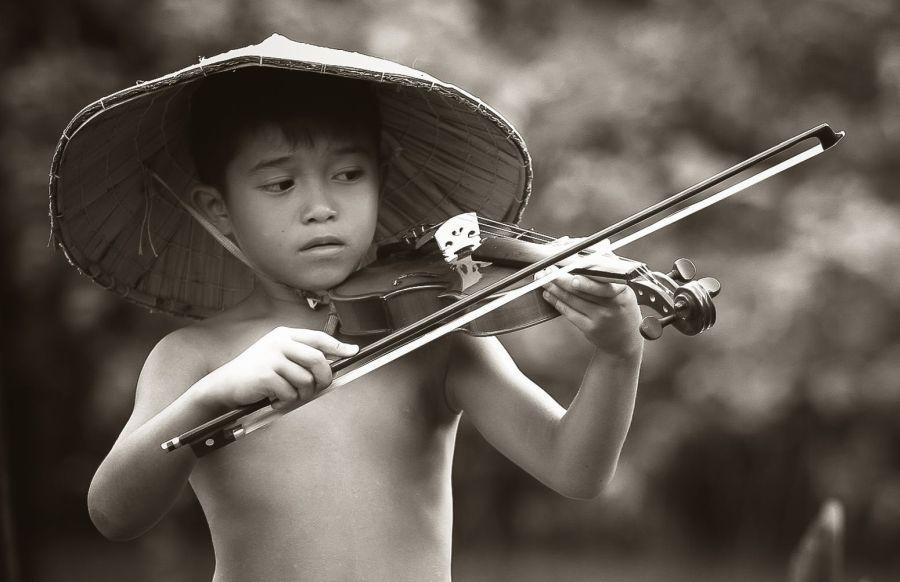 child-violin-player-pexels